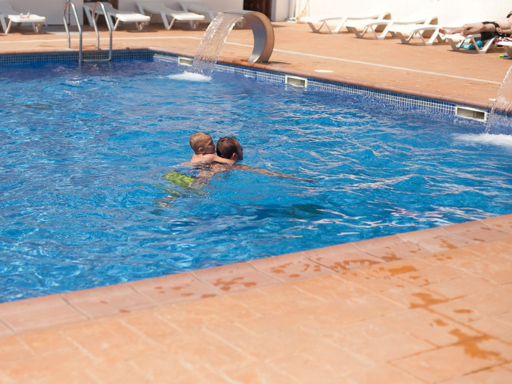 Piscinas camping caballo de mar - Camping en oliva con piscina ...