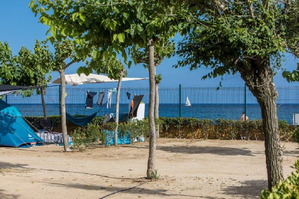 Camping Caballo de Mar on the beach